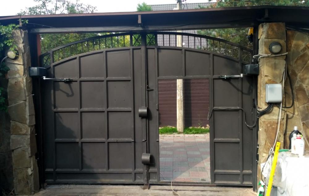 Ворота распашные с приводами Came Ferny