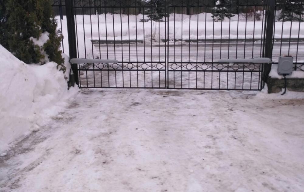 Распашные ворота  с приводами Nice