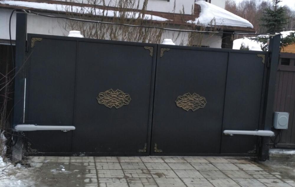 Те же ворота уже с автоматикой